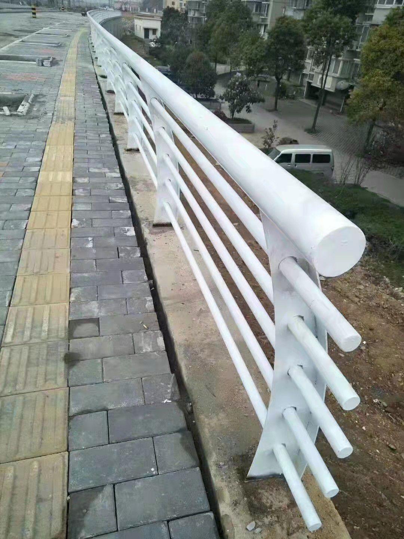 鄂州复合管护栏